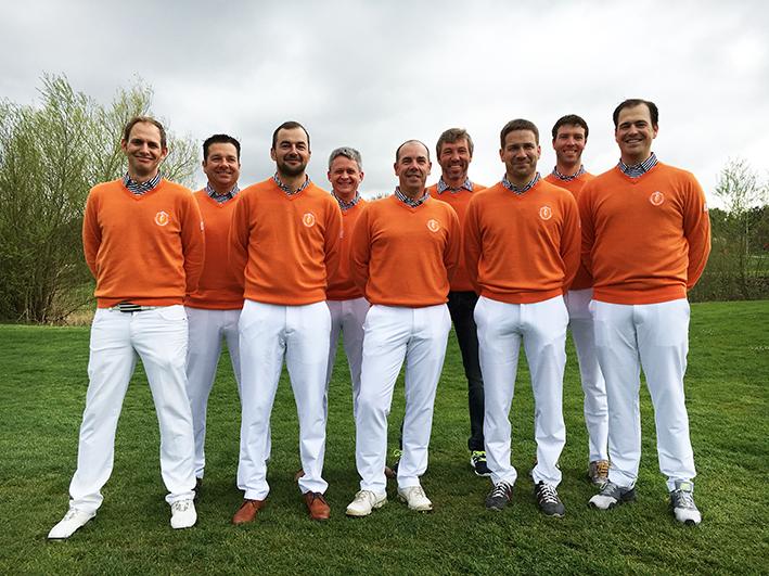 Das Herrenteam AK 35 ist bestens für die neue Saison gerüstet: Patrick Schwinning, Bernhard Köhler, Florian Kiermeier, Dr. Ludwig Friedl, Ingo Reinke, Wolfgang Beitinger, Marcus Wittmann, Markus Hofbauer, Dr. Robert Schilling.